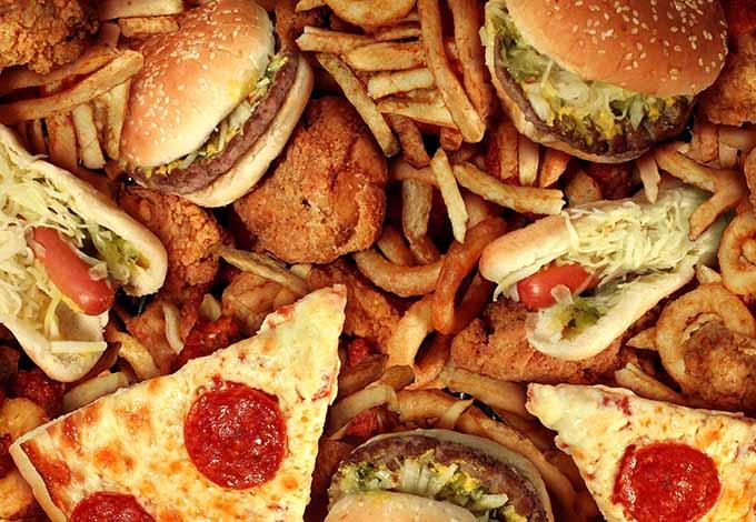 コレステロール値は食べ物で増えない
